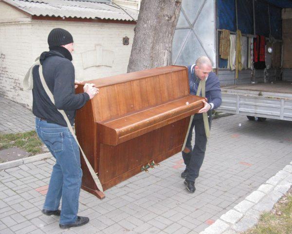 Такелажные работы - транспортировка пианино